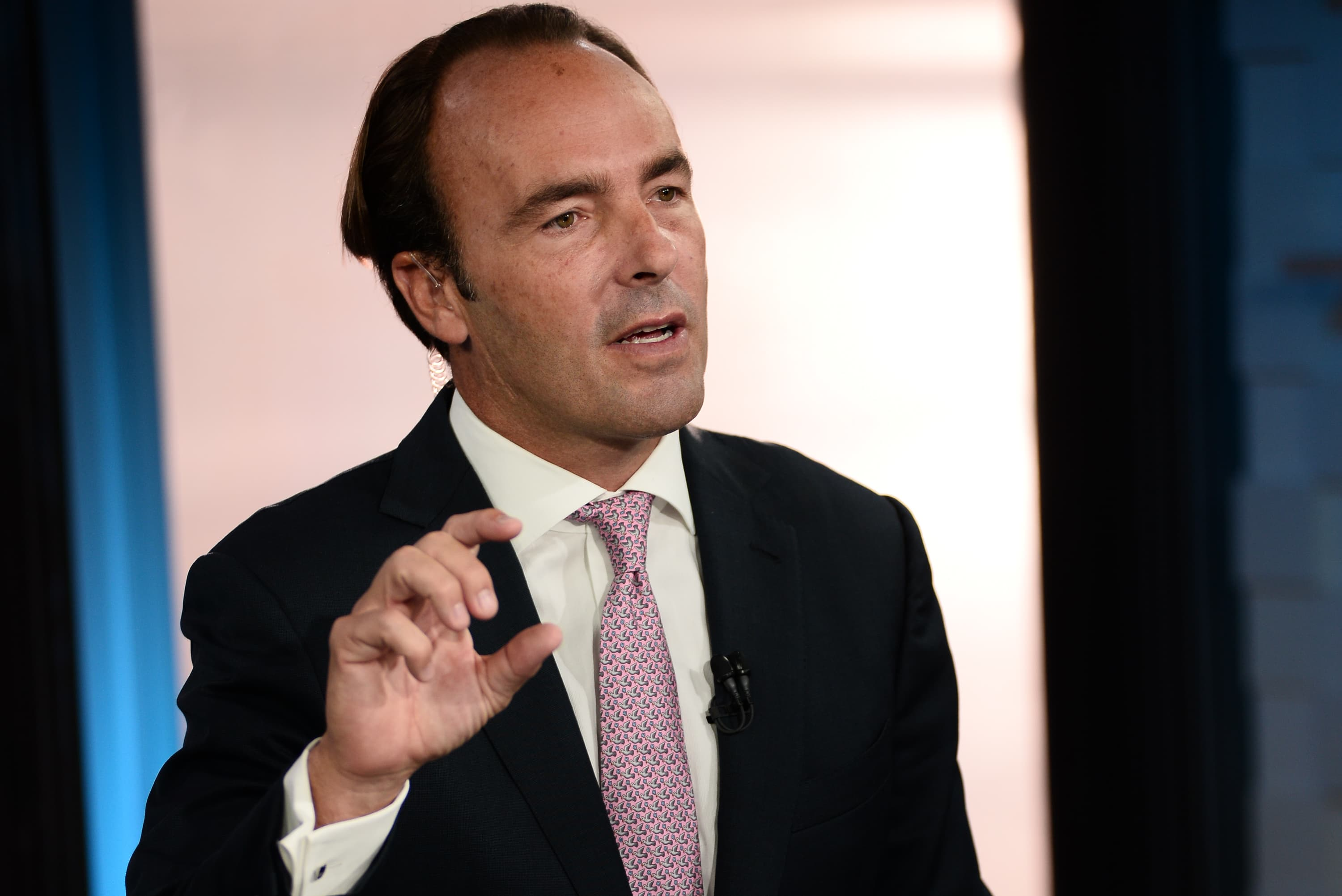Kyle Bass: China's currency would collapse 30% to 40% if they stopped supporting it