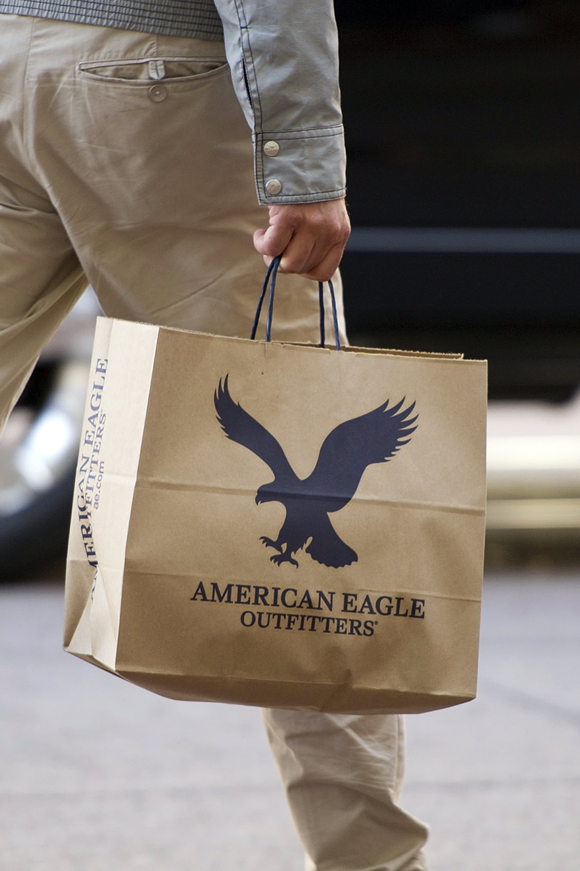 American Eagle Outfitters CEO expects 'Roaring 20s'-like boom for mall... image