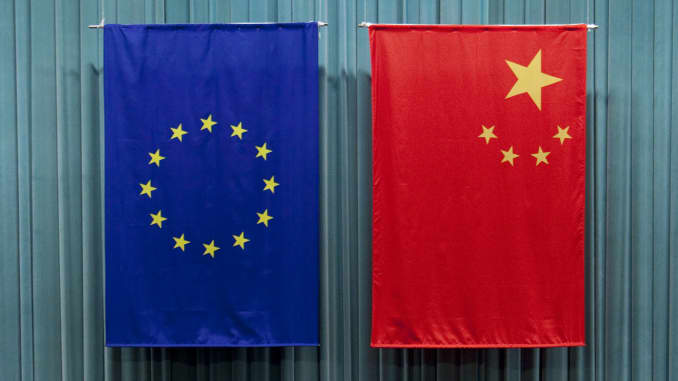 Premium - China/EU flags