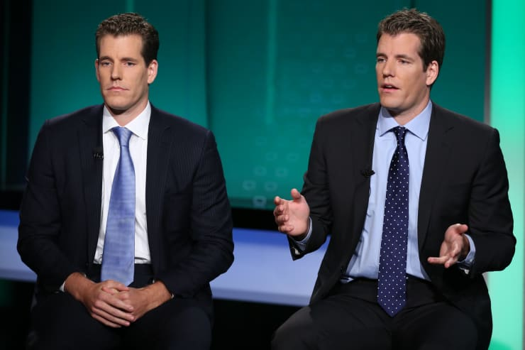 CNBC: Cameron (L) and Tyler (R) Winklevoss 151008-004