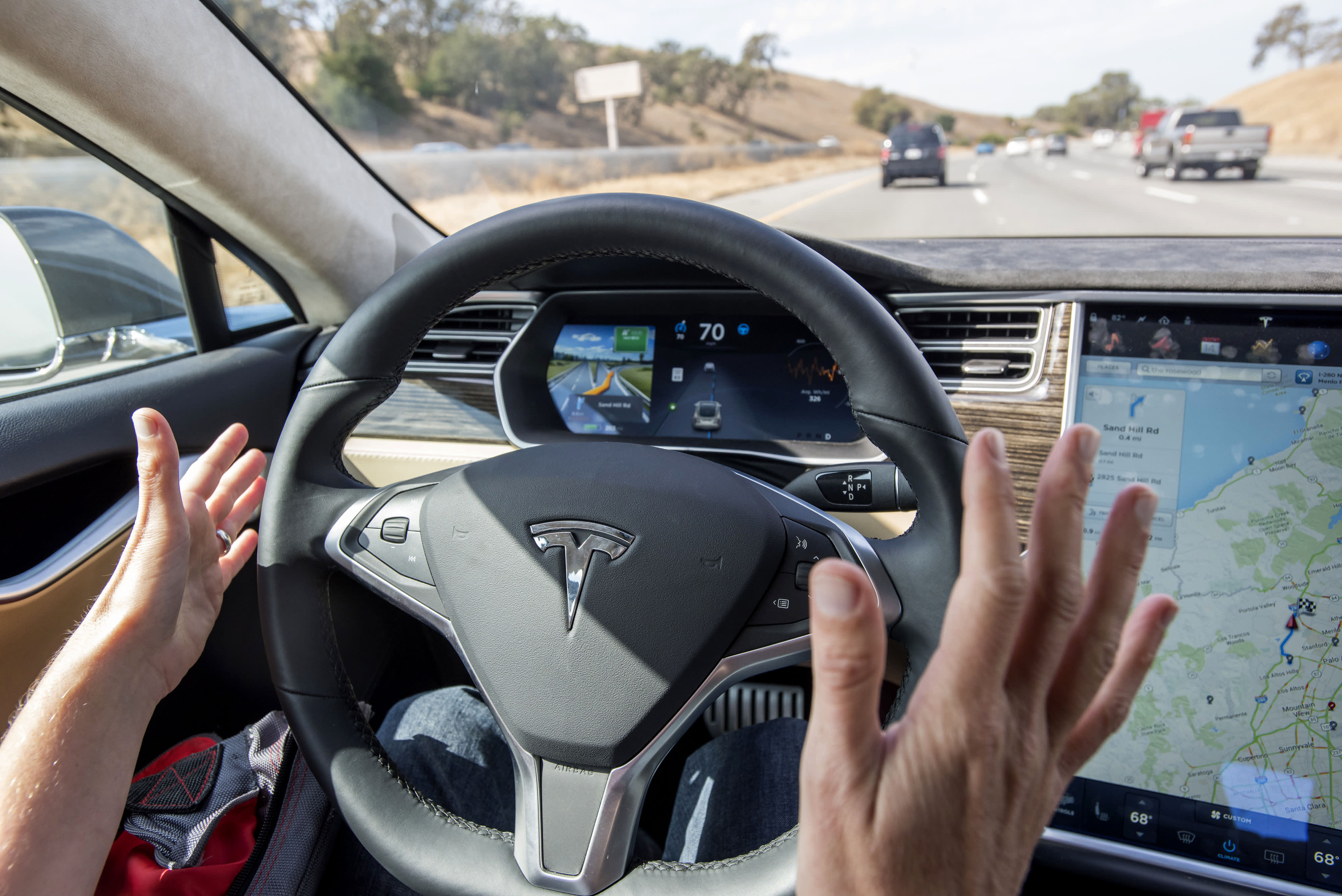 Tesla autopilot was engaged for nearly 14 minutes before 2018 California crash, NTSB says