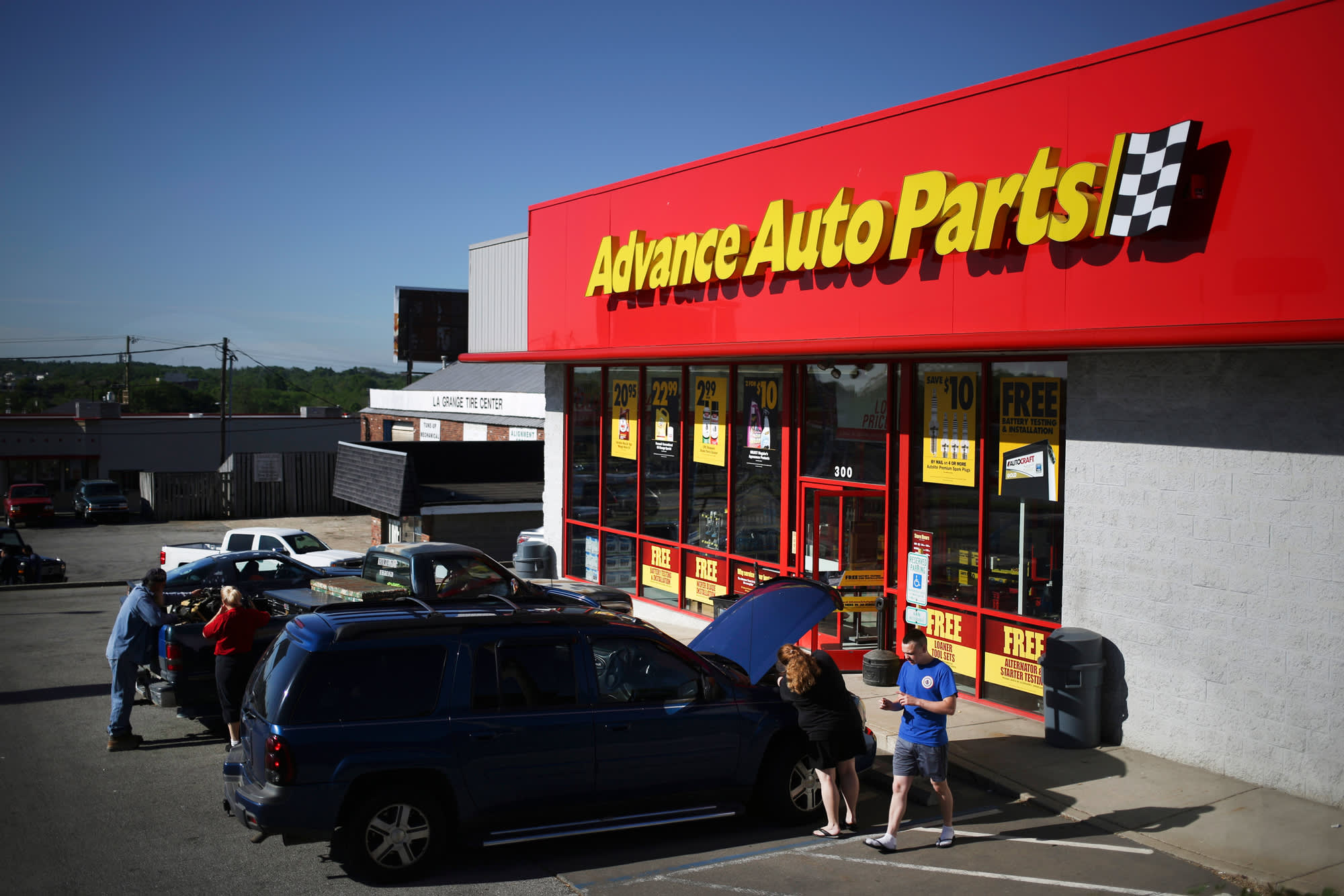 Walmart Pairs With Advance Auto Parts On New Online Specialty Store