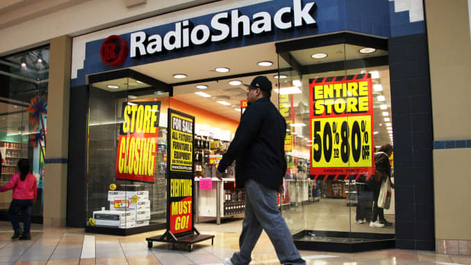 RadioShack makes a comeback to sell electronics in HobbyTown