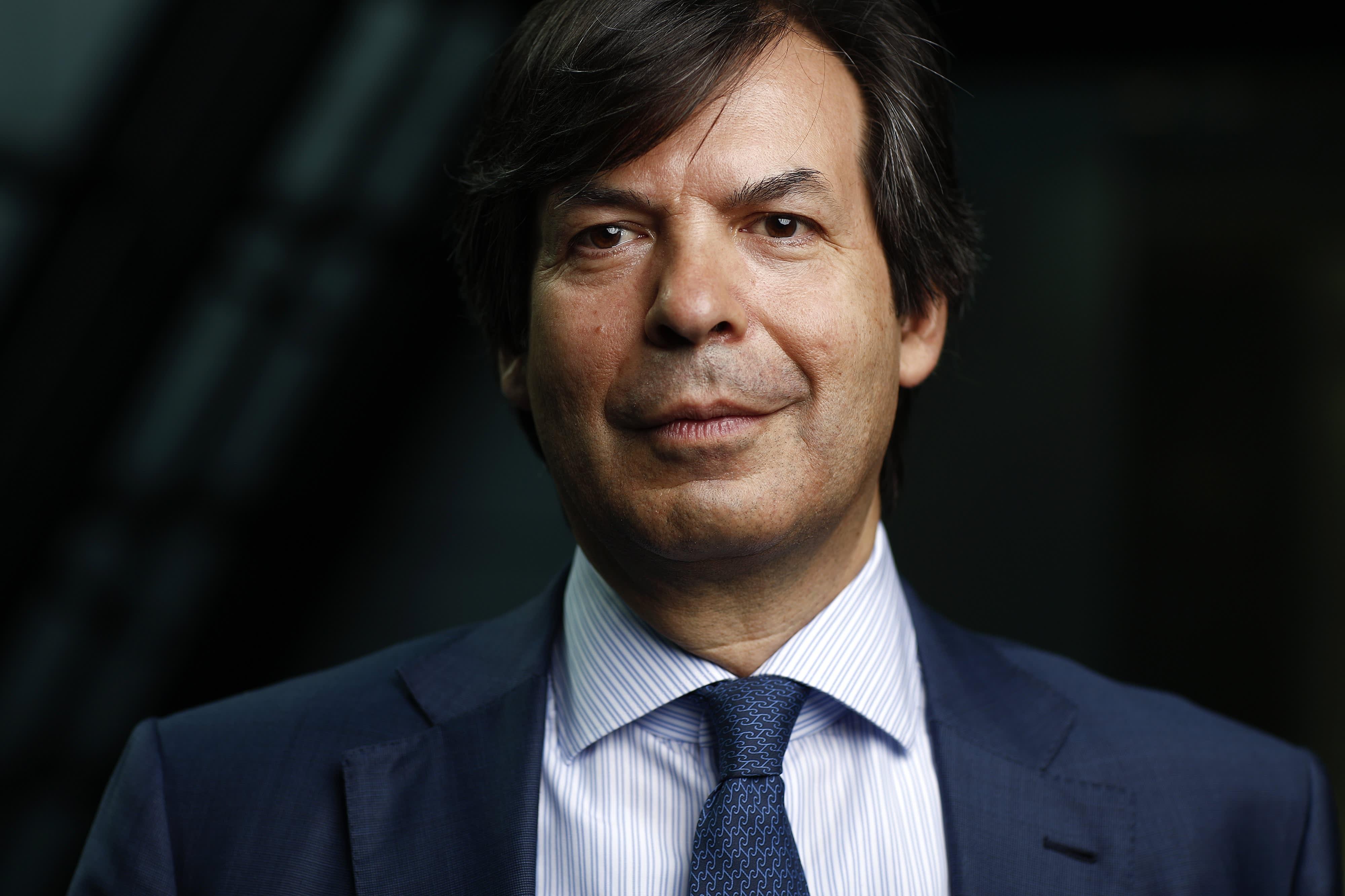 Italian banking gloom is 'exaggerated,' Intesa Sanpaolo CEO says