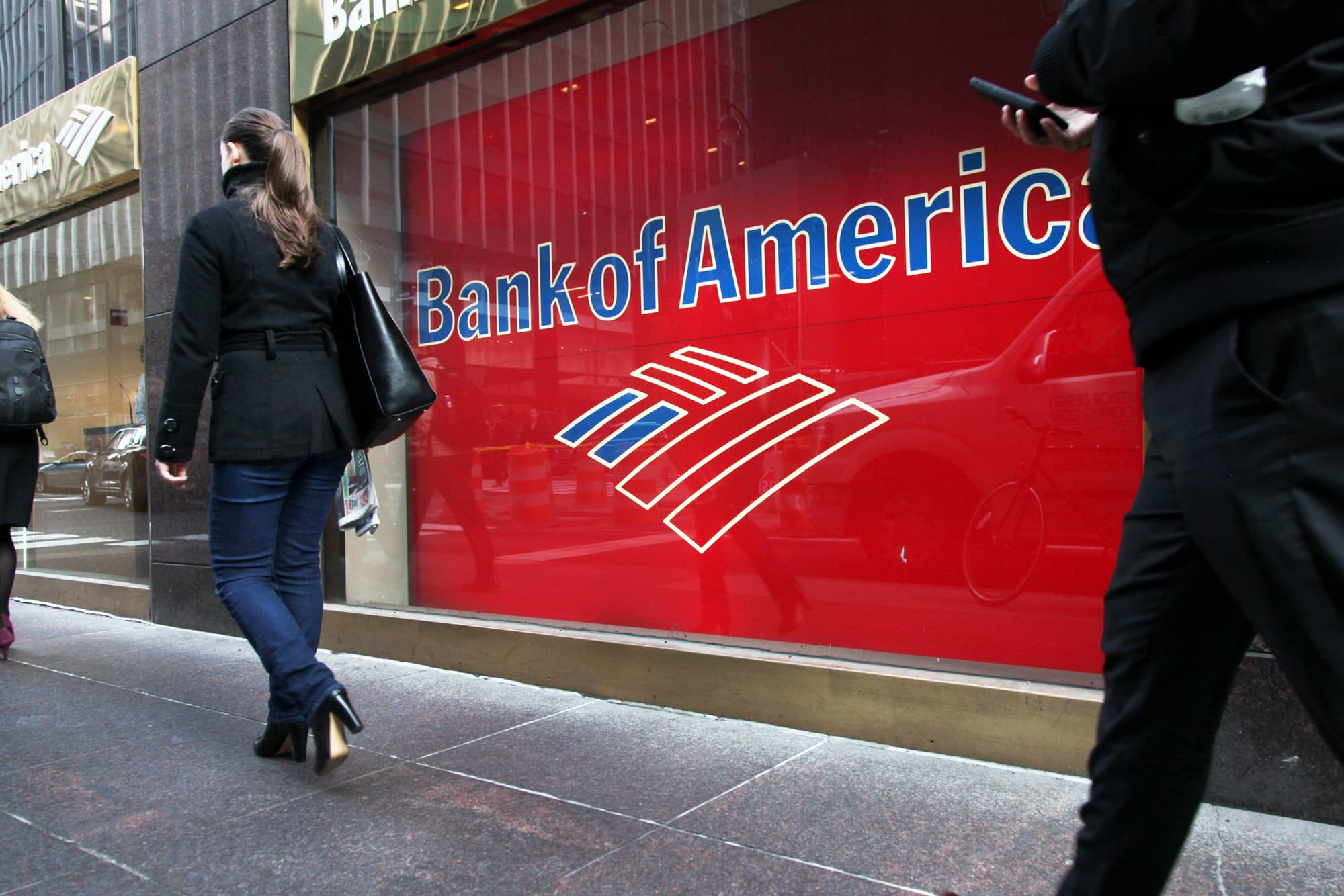 Bank Of America Revs Up Auto Loans Business Despite Warning Signs