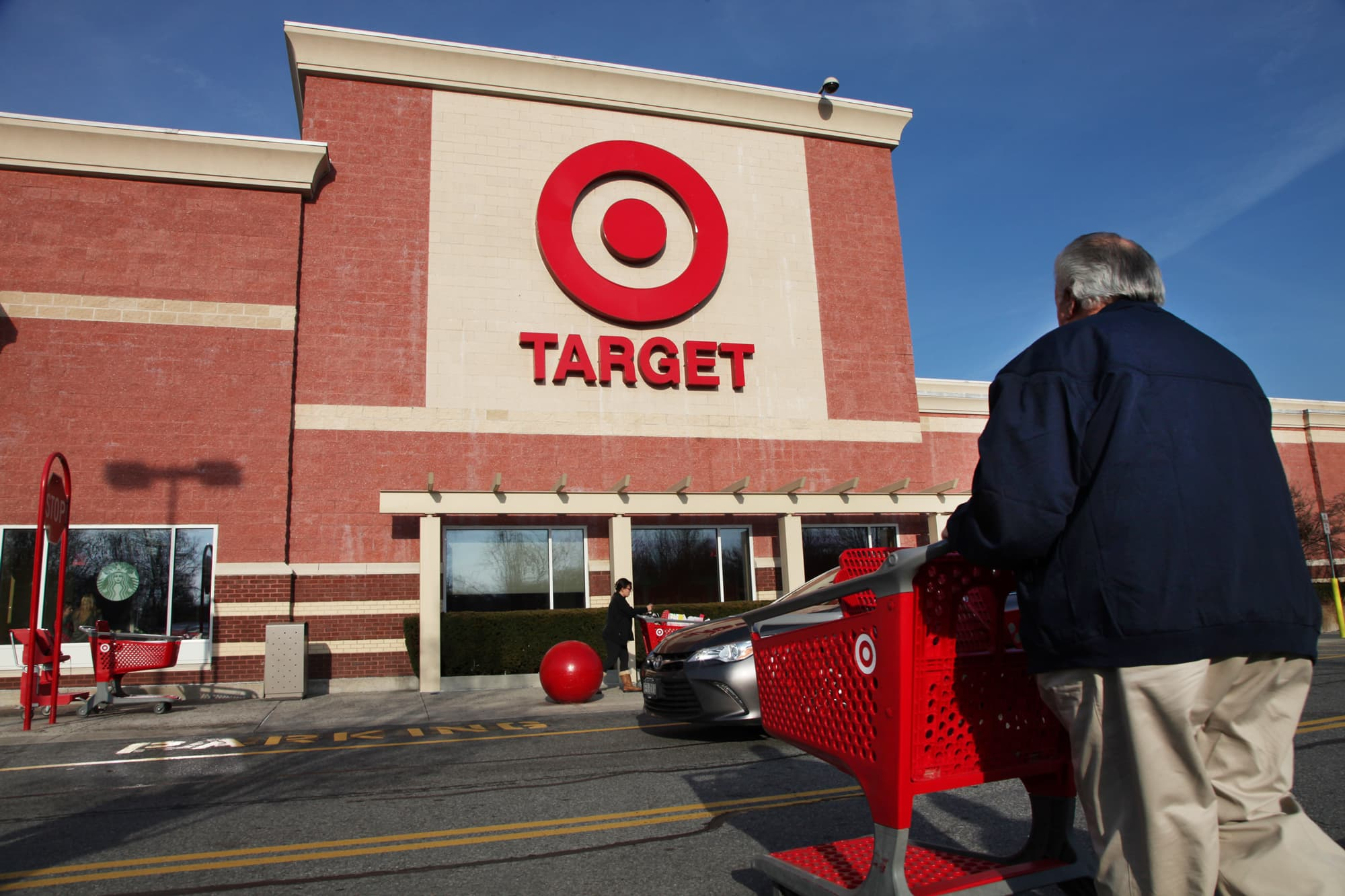 2f0d59e4e37 What 20 of the largest retailers in America pay their employees