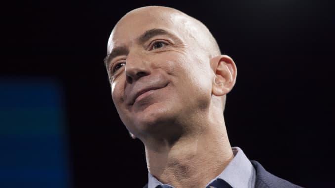 Amazon makes offer for a majority stake in Flipkart