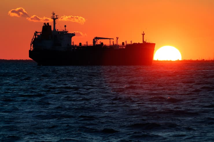 Reusable: Oil tanker France sunset 151016