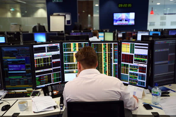 European markets slightly lower despite trade optimism; Travel and leisure stocks down 2.4%