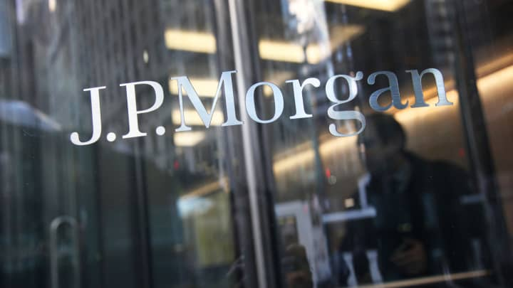 Reusable CNBC: JPMorgan Chase JP Morgan logo on door 151210