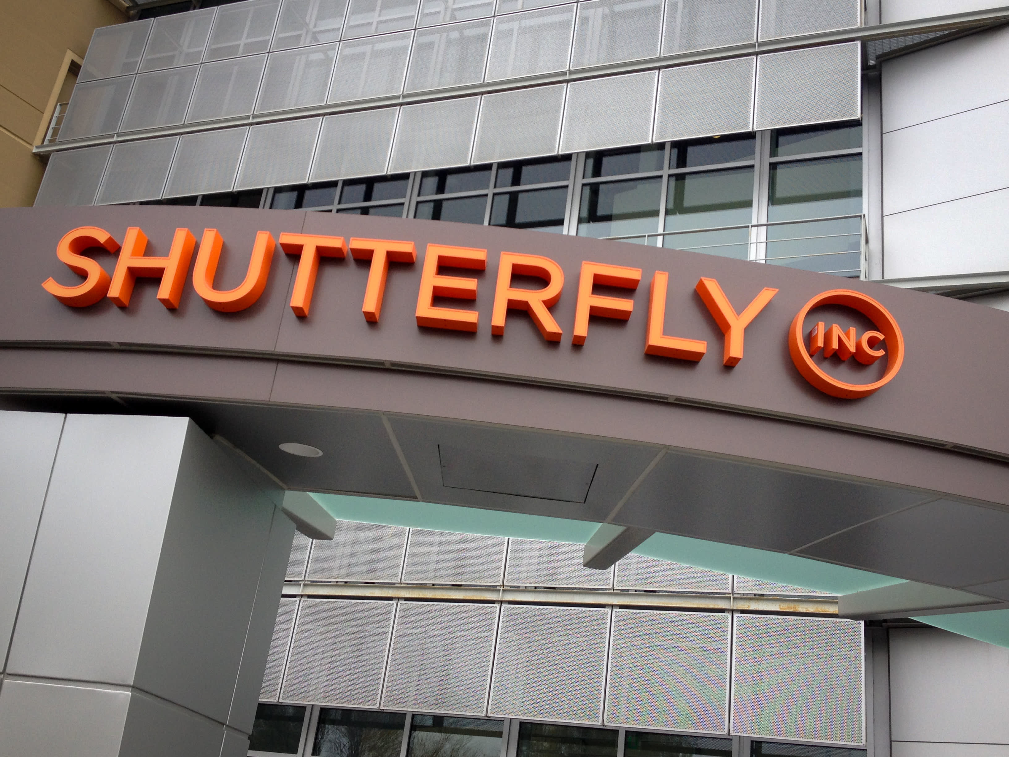Shutterfly strikes take-private deal with Apollo Global, valuing company at $2.7 billion