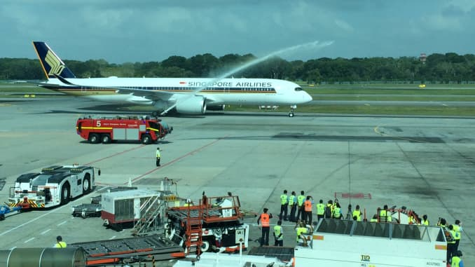 Singapore Airlines gets first Airbus A350-900, to run long ...