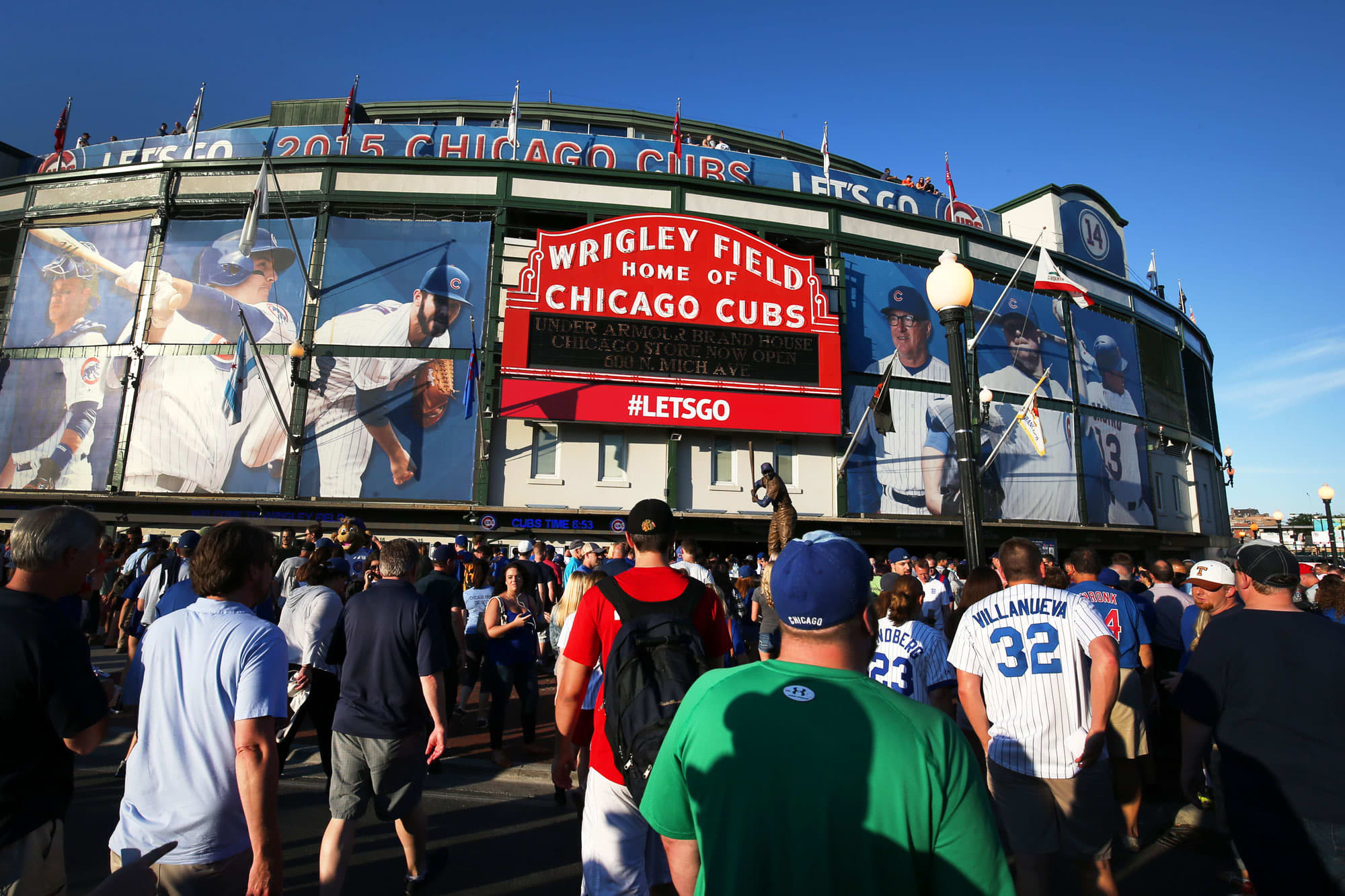 Cubs owner hopes Wrigley Field feels like 'a routine baseball game' by end of summer thumbnail