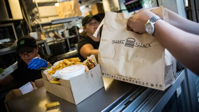 Shake Shack taps Grubhub for nationwide delivery