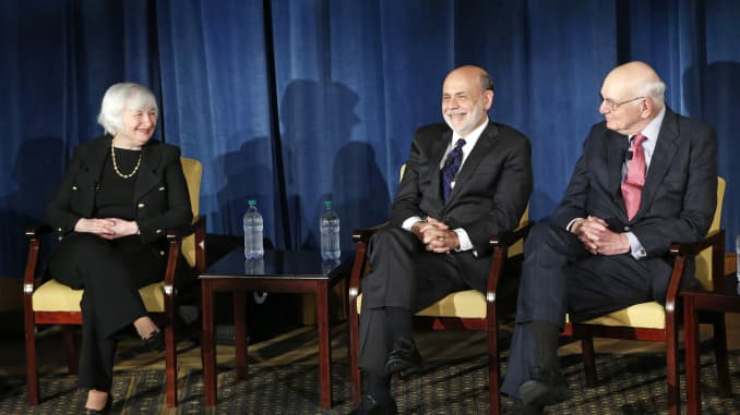 RT: Fed chair Janet Yellen (L to R) and former fed chairs Ben Bernanke and Paul Volcker 160407