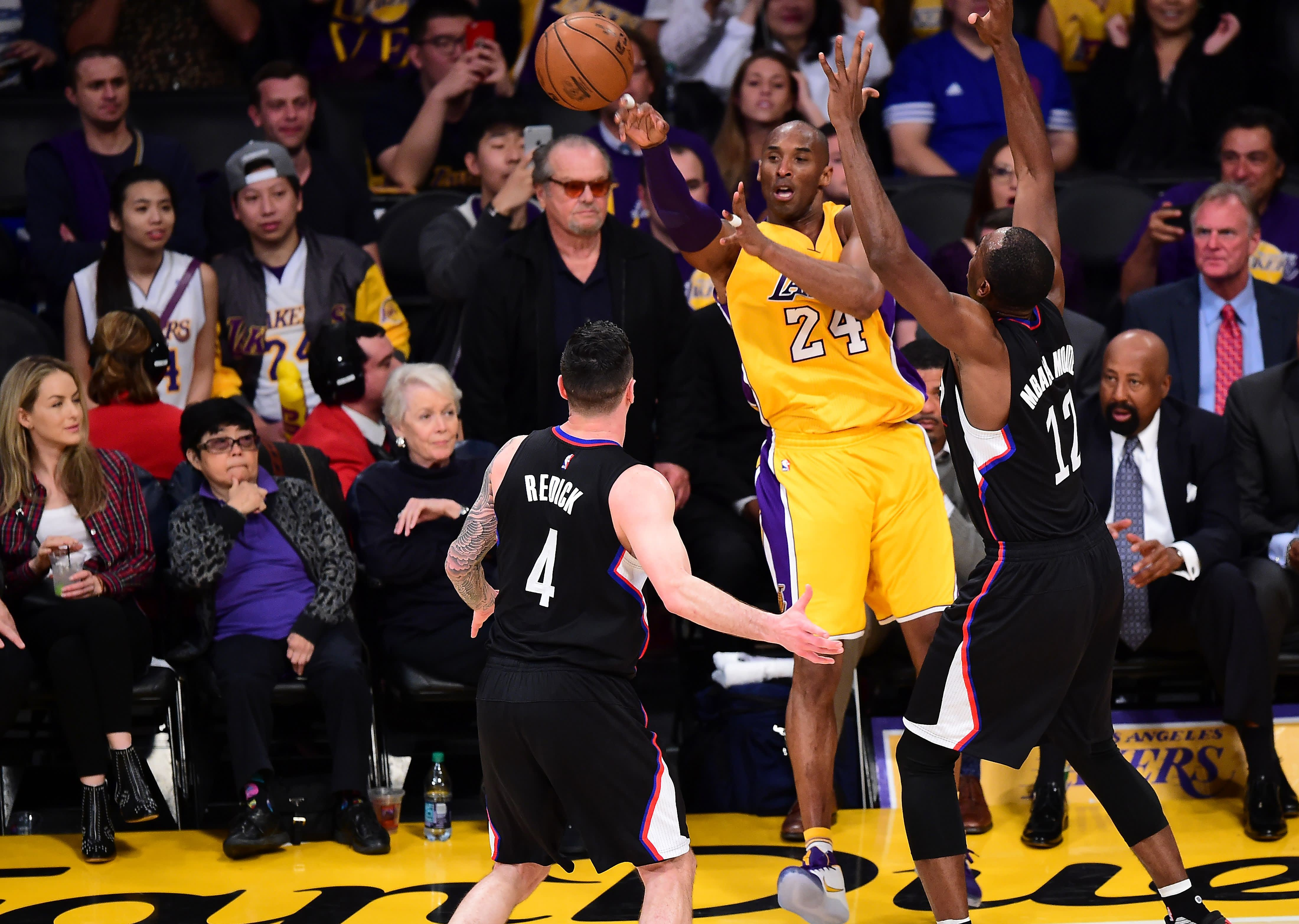 5fb169e6c897 Lakers tickets prices for Kobe Bryant s last game spike