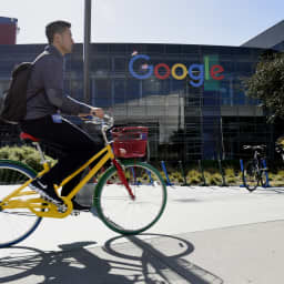 Here's how big tech companies like Google and Facebook set salaries for software engineers