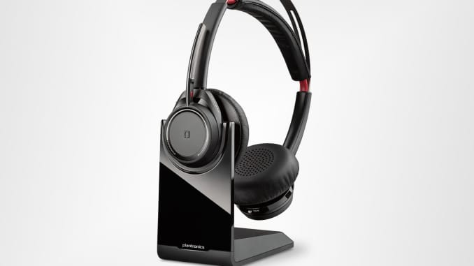 Plantronics to buy video conferencing gear maker Polycom for
