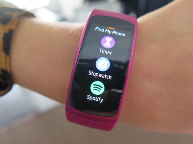 4664481c1c7 Samsung vs Apple: The war turns to wearables