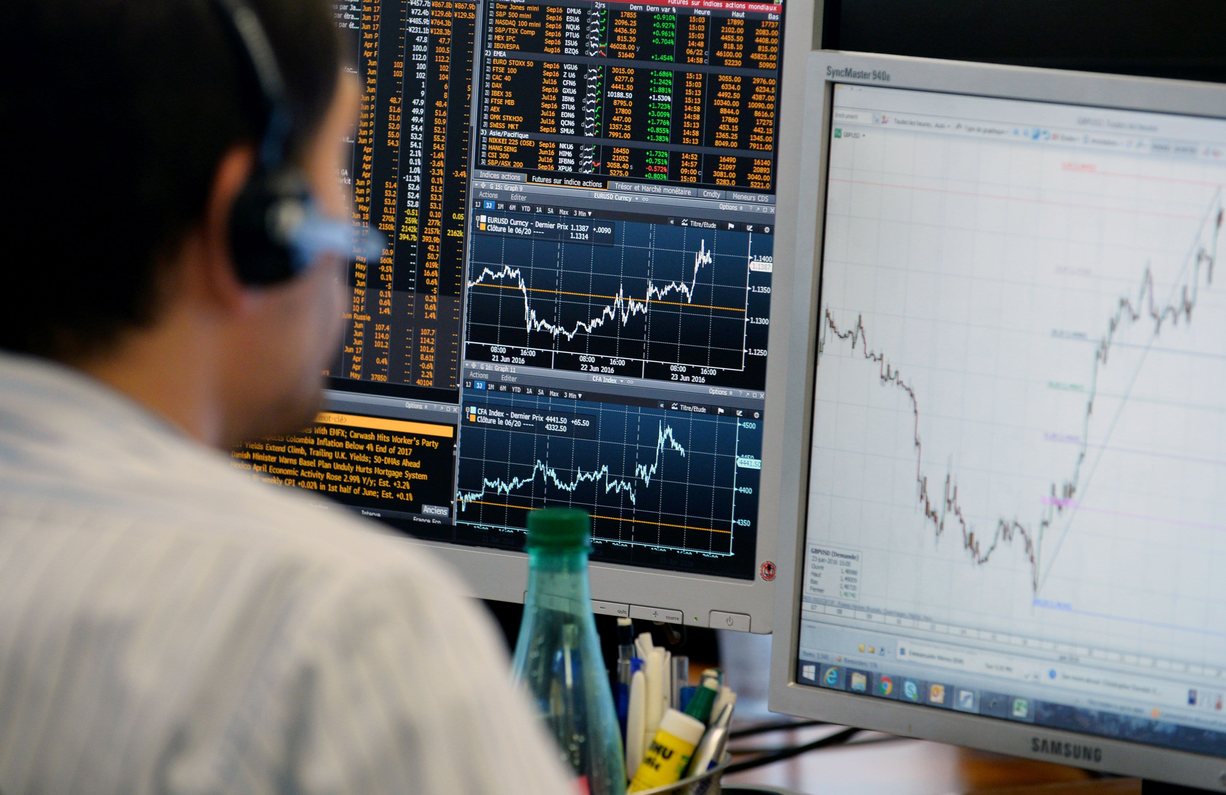 European stocks cautiously higher amid hopes US will delay EU auto tariffs; Iliad soars 18%