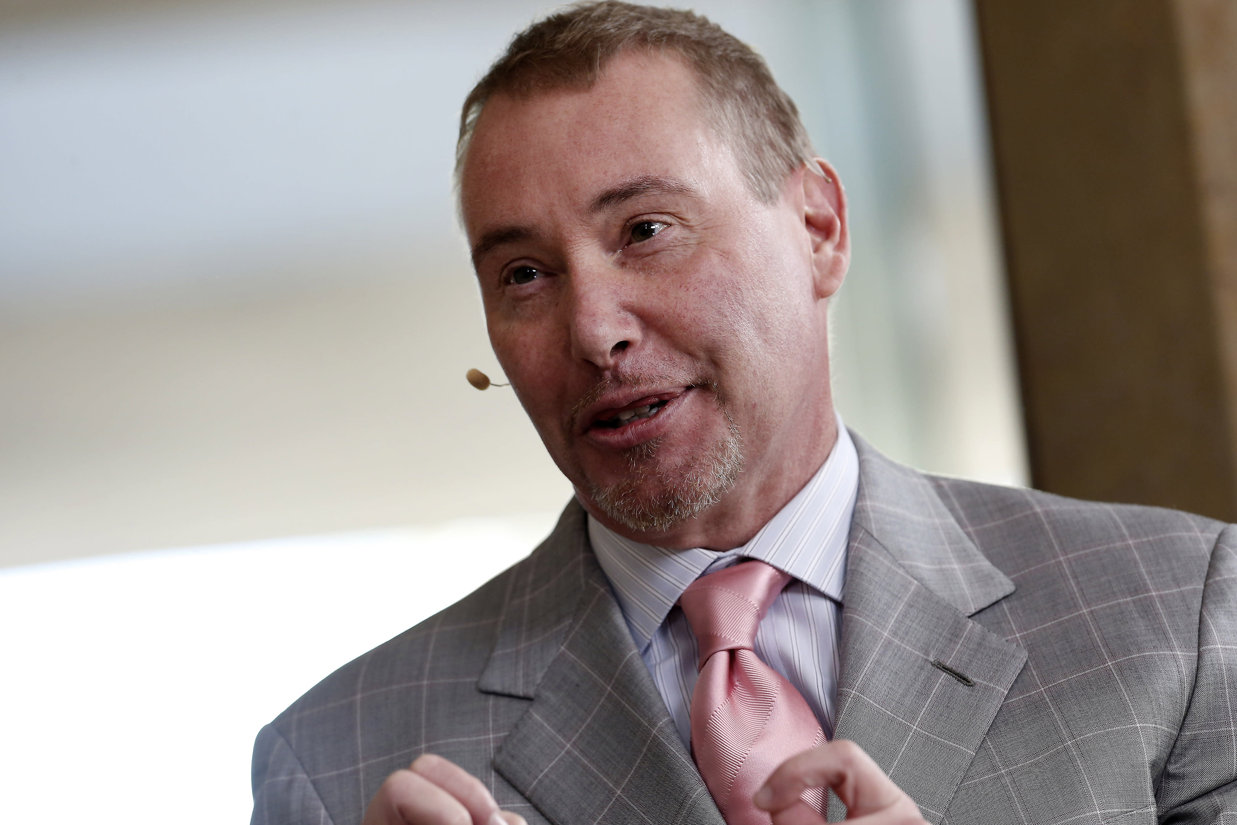 Jeffrey Gundlach says the Fed may have to start 'QE-lite' to boost bank reserves