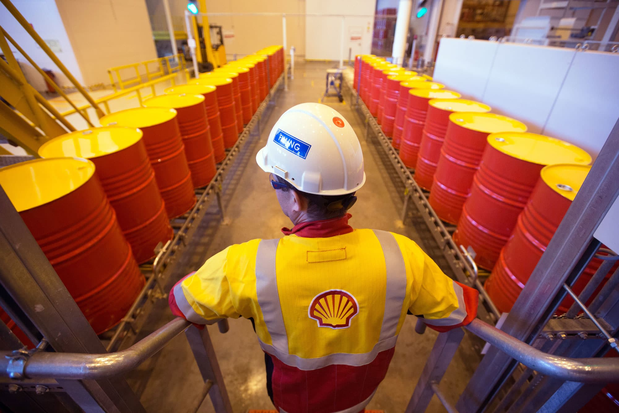 Shell's profits slump to 30-month low on weak oil, gas prices