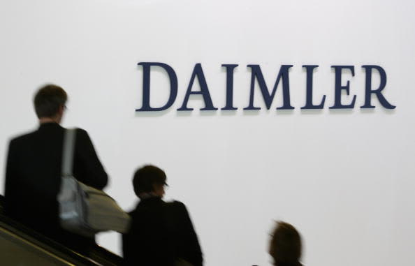 Daimler warns of second-quarter profit significantly below expectations thumbnail