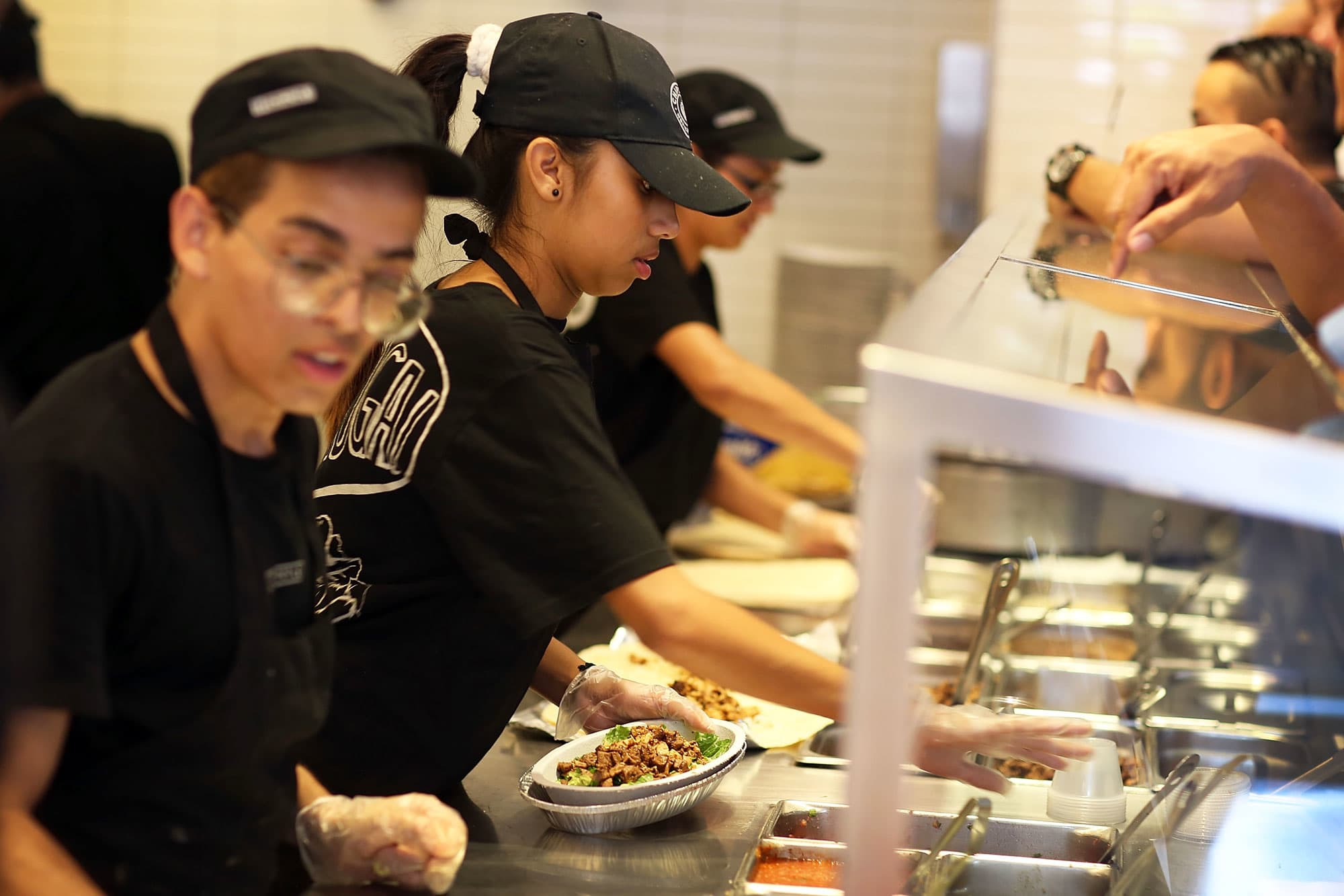 Chipotle's norovirus outbreak was the result of lax sick