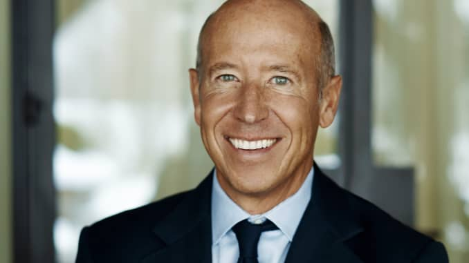 The 59-year old son of father (?) and mother(?) Barry Sternlicht in 2020 photo. Barry Sternlicht earned a million dollar salary - leaving the net worth at million in 2020