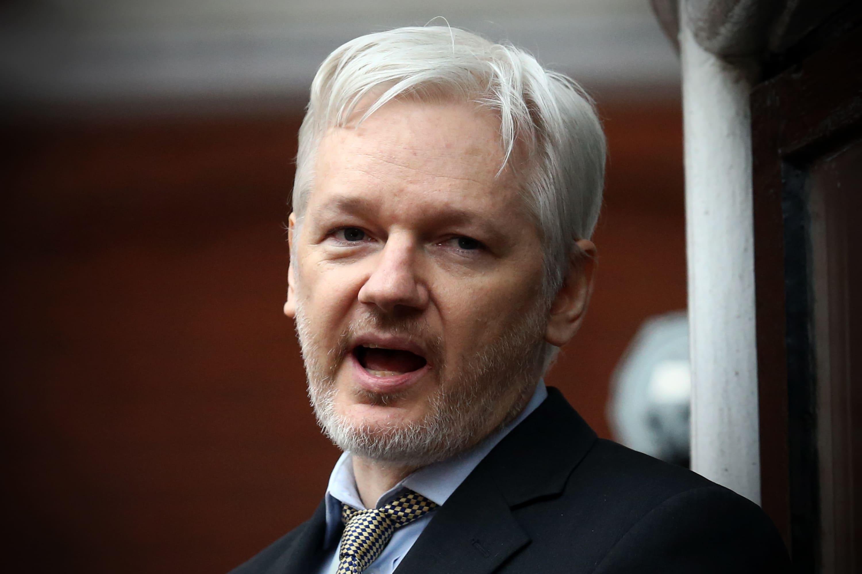 bitcoins wikileaks julian