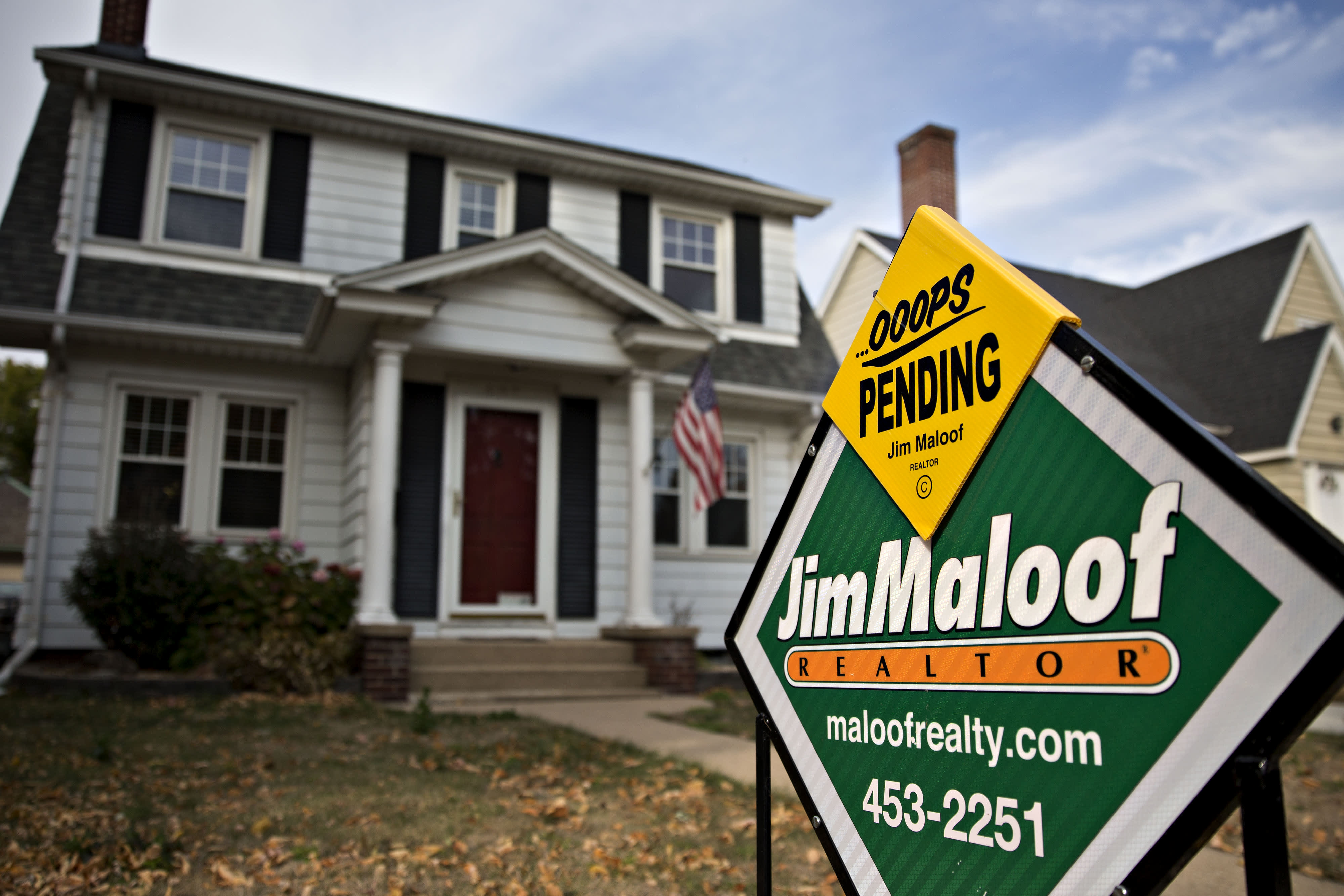 Pending home sales spike a record 44.3% in May, as homebuyers rush back into the market