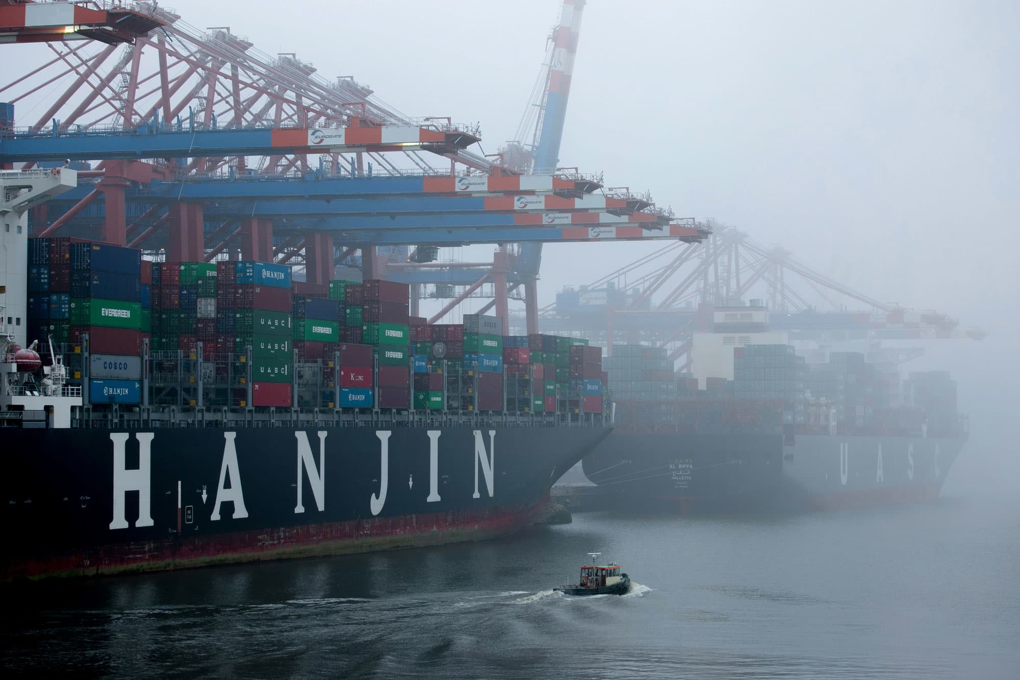 Hanjin Shipping's collapse upsets global trade as vessels
