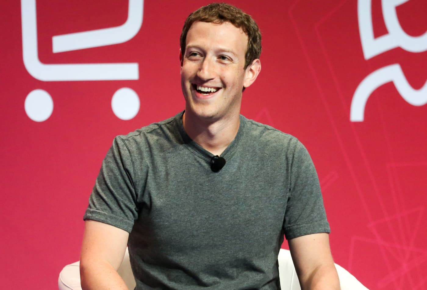 Mark Zuckerberg: Facebook's News Feed shows how important it is to
