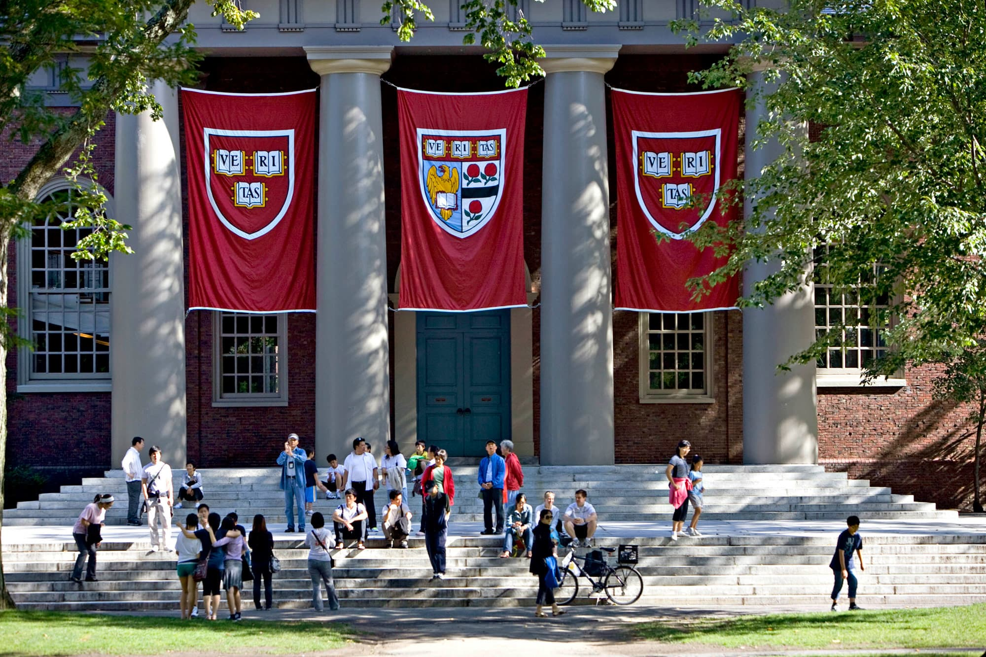 6231300f892aa 10 of the most famous Harvard grads — and dropouts — of modern time