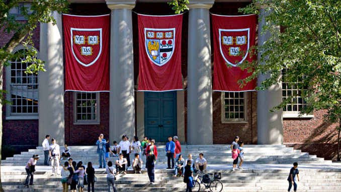 10 of the most famous Harvard grads — and dropouts — of