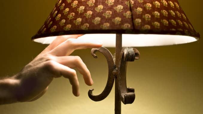 Premium: Mematikan lampu, lampu