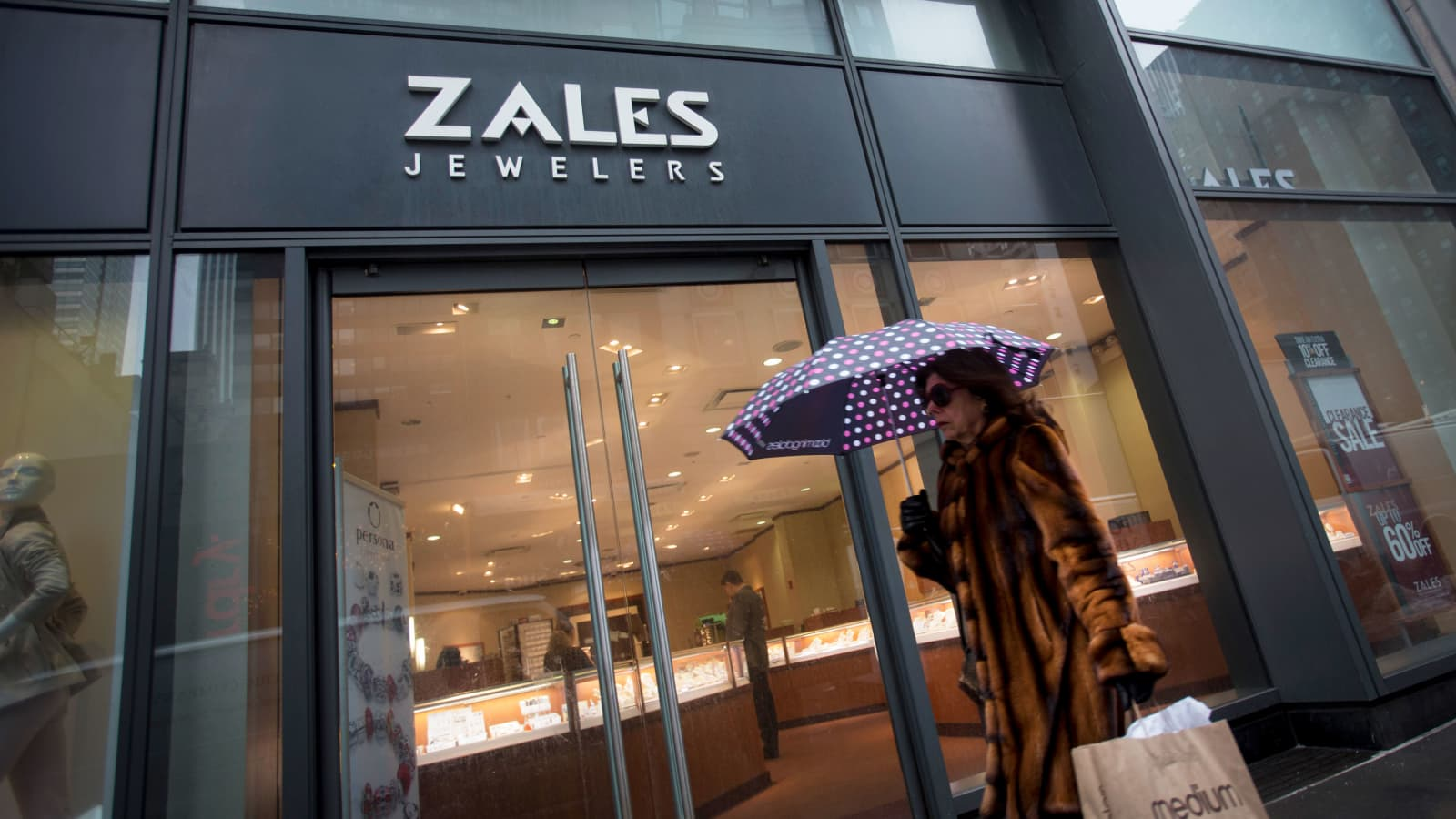 Owner Of Kay Zales And Jareds Expects To Close More Than 150 Stores