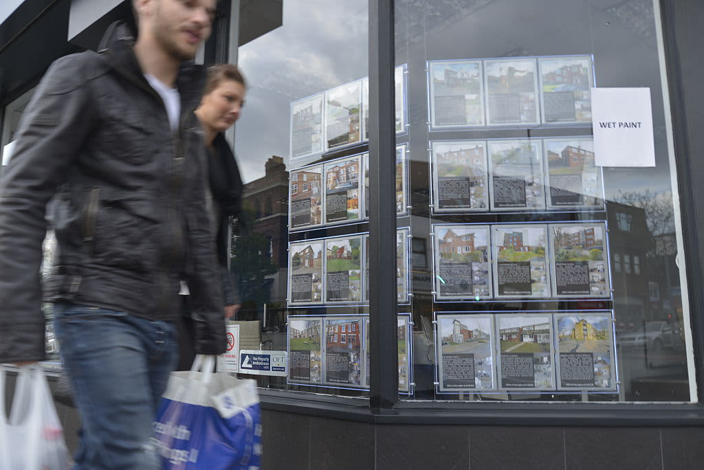 UK house prices grow at slowest rate in six years, survey says