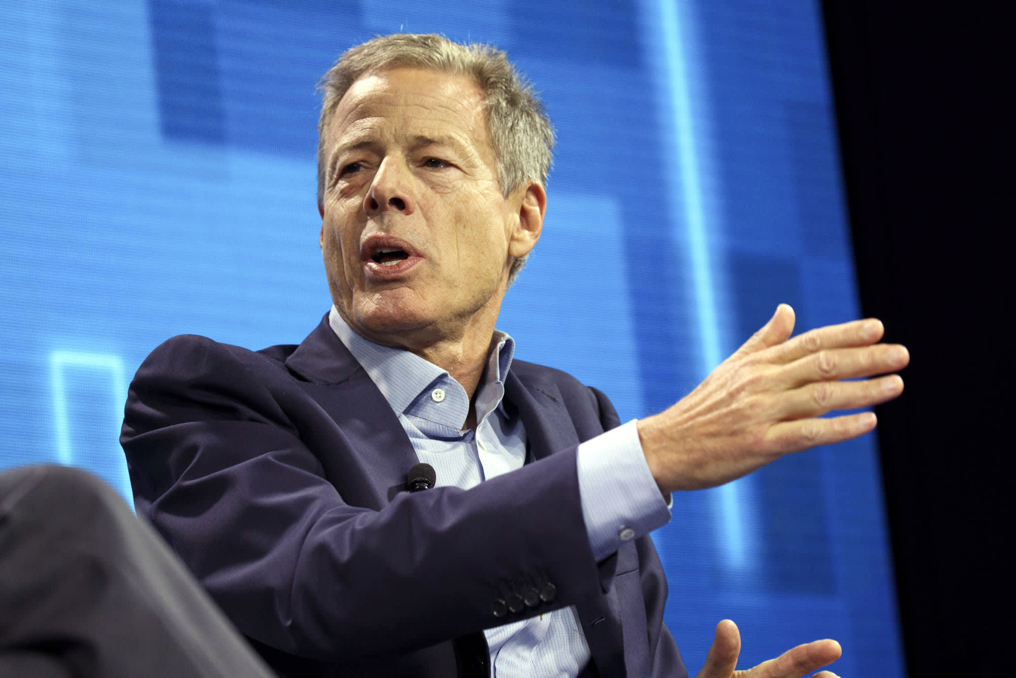 Ex-Time Warner CEO Jeff Bewkes says he has doubts about vertical integration