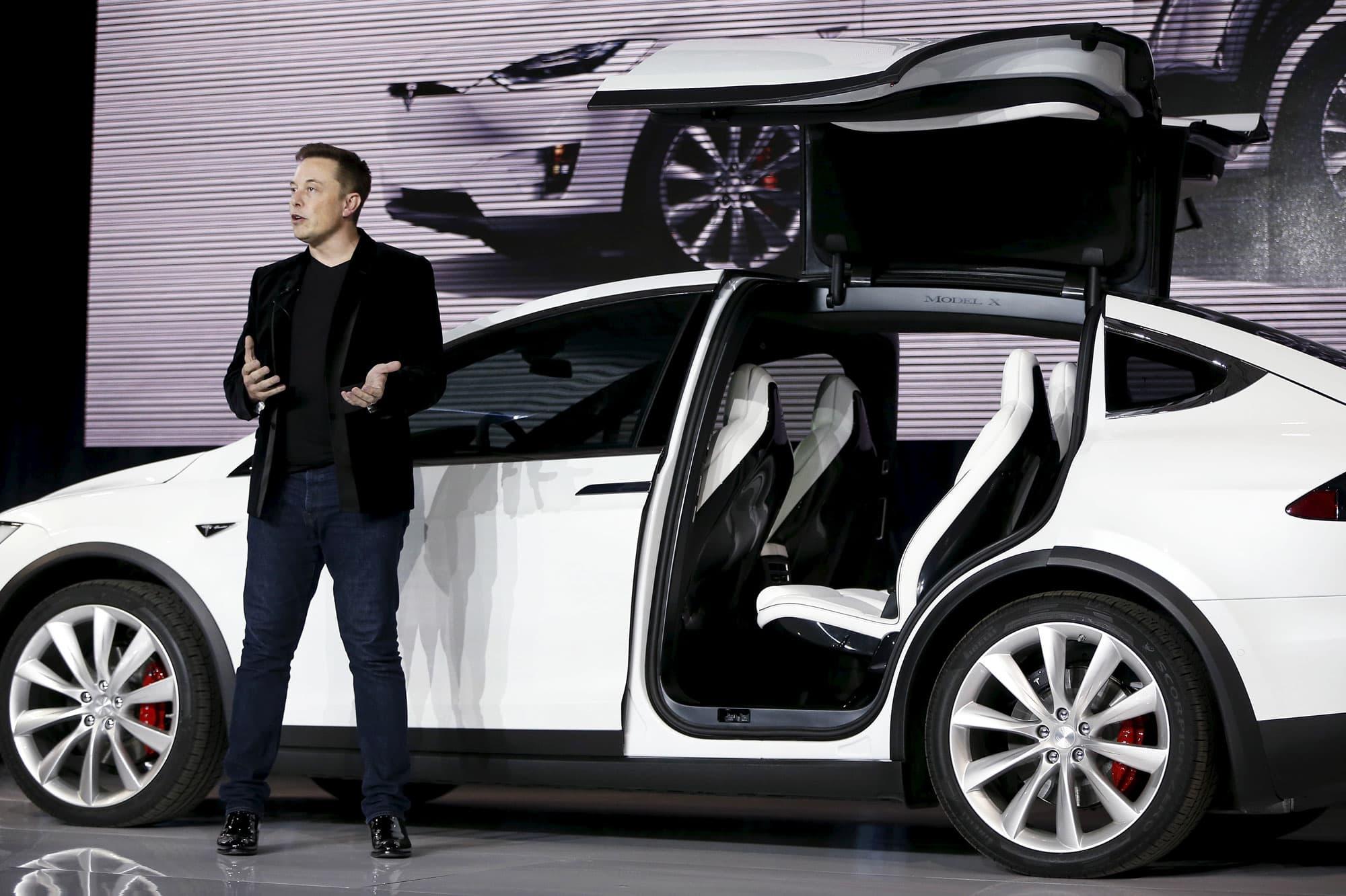 RT: Elon Musk introduces Tesla Model X 150929