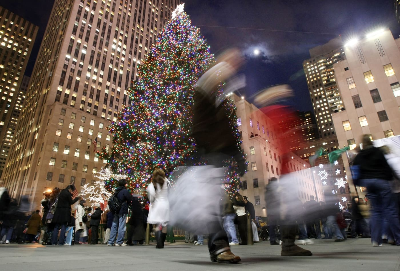 Holiday shoppers are crossing themselves off of the gift list, trade group says