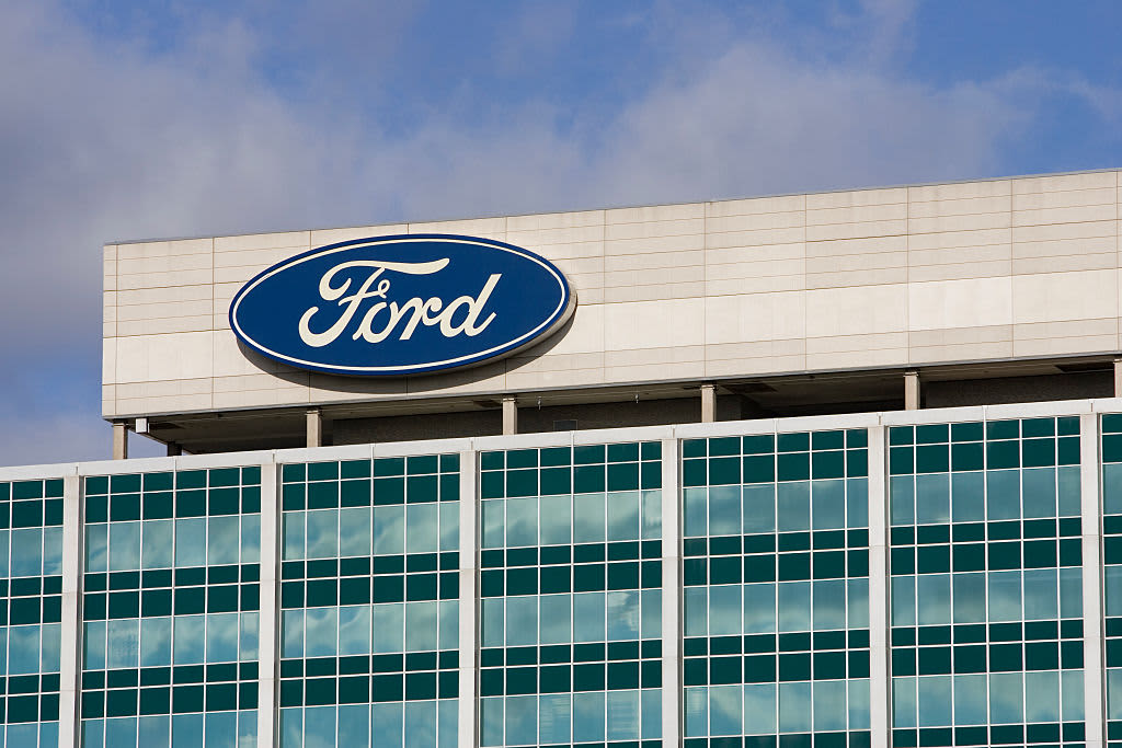 Ford plans health screenings, temperature checks to bring office workers back beginning in June