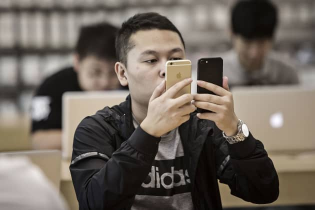 f234feae4 Apple s woes show US and China are taking hits in trade war — and that  could push them to make deal