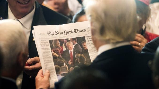 GP: Donald Trump reading the New York Times newspaper Cleveland Ohio 160722