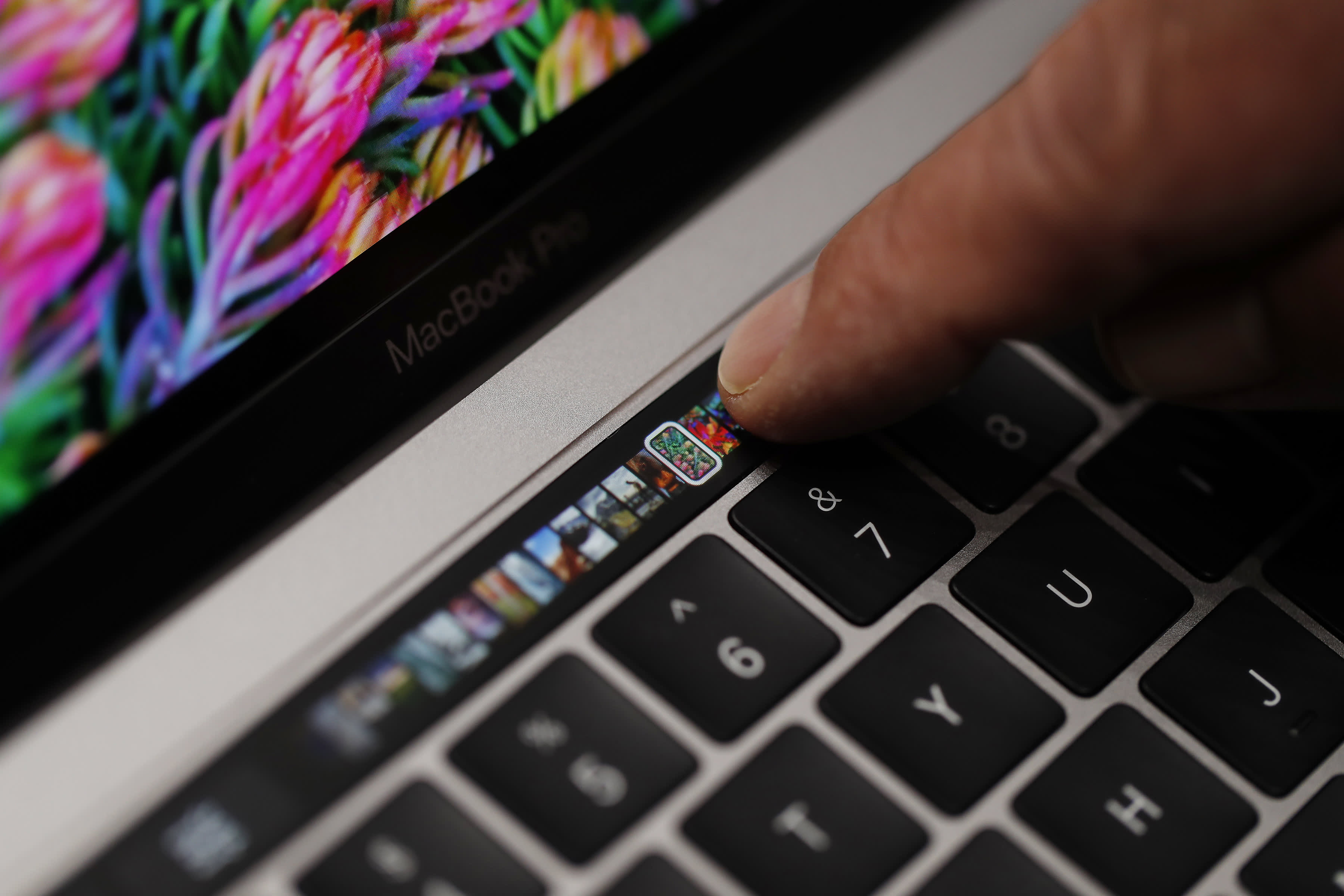 Apple makes another change to the keyboard that keeps breaking on the MacBook Pro