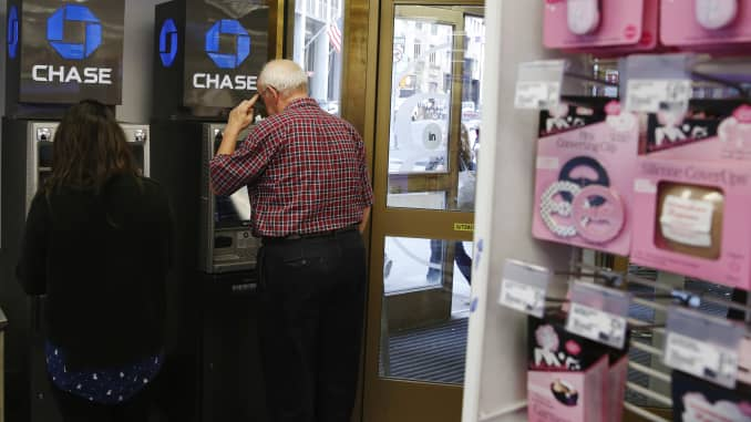 Chase Bank customers could get surprise fees from old ATMs