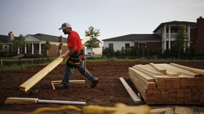 Homebuilder Sentiment Holds Steady