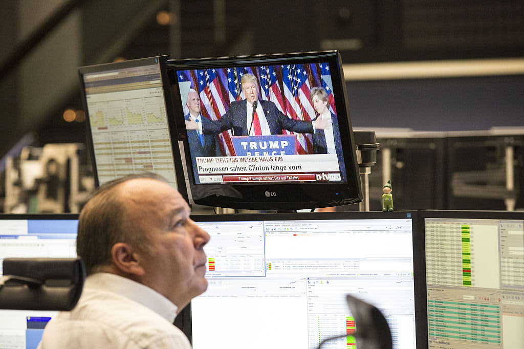 European stocks close higher as trade hopes offset US political uncertainty