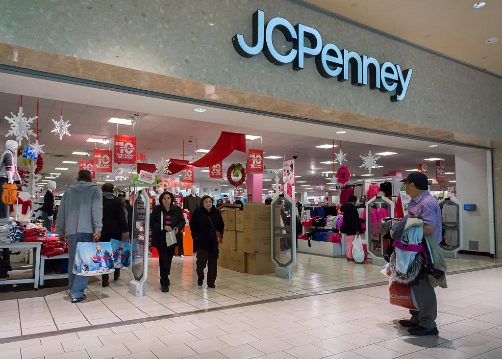 d8b9f37bacdad Ex JCPenney CEO Allen Questrom  Sales have  become a cancer  for department  stores