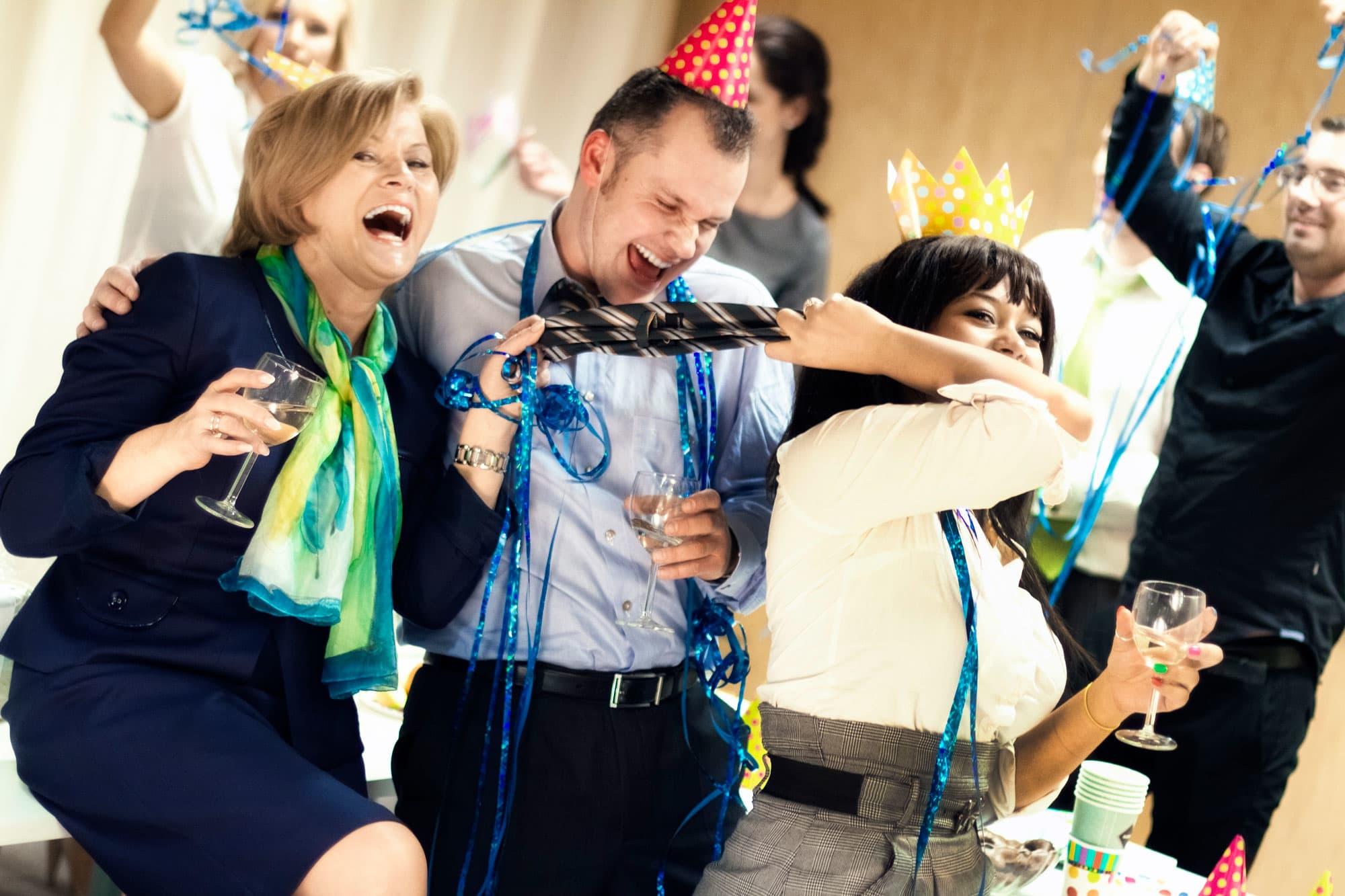 фото вечеринок на работе уже